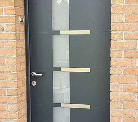 Pose porte d'entrée près de Douai